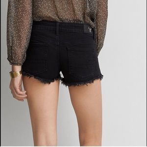 Size 8 black AE cut-off frayed denim shorts